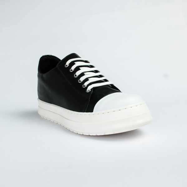 Vulcan black leather lace up Sneakers