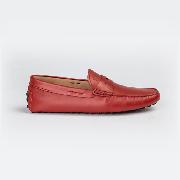 Tod's red colored drivers