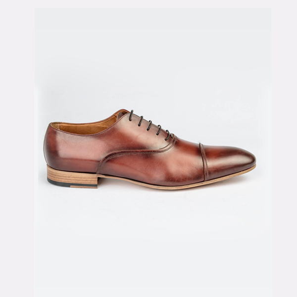 Classic Doucals tan brown lace-up