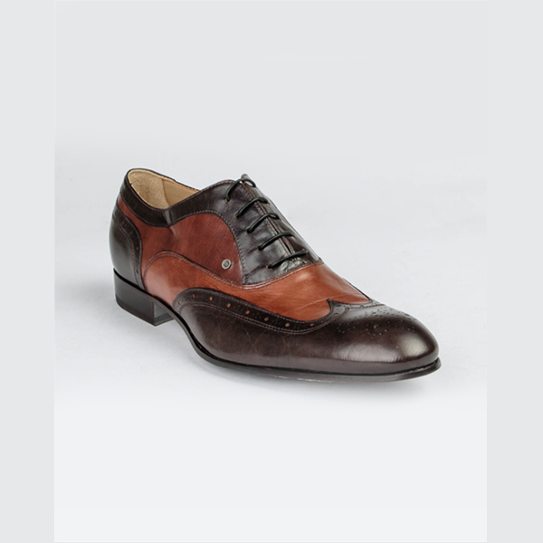 Doucals classy tan-brown lace up