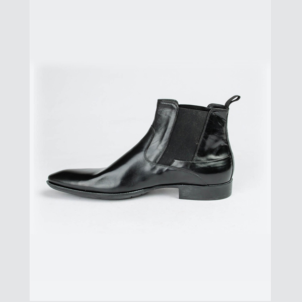 Doucals black pointed ankle boot