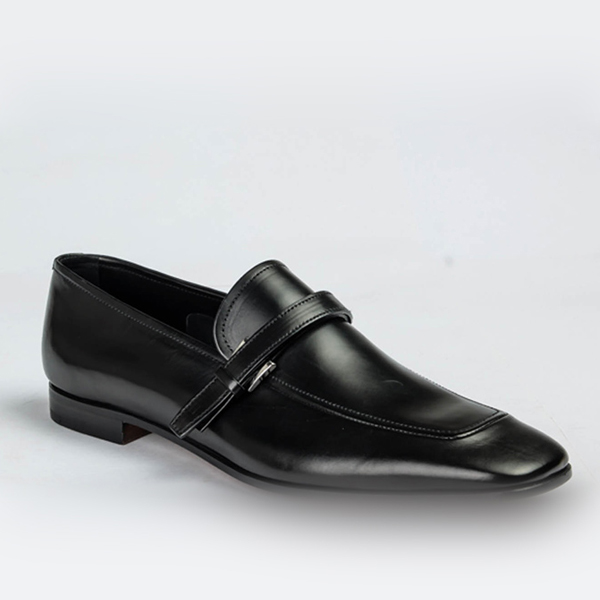 Prada black leather shoe