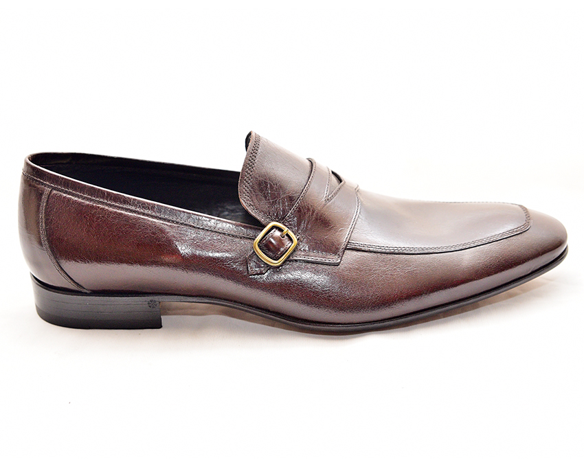 Ox-blood Penny loafer by Doucal's
