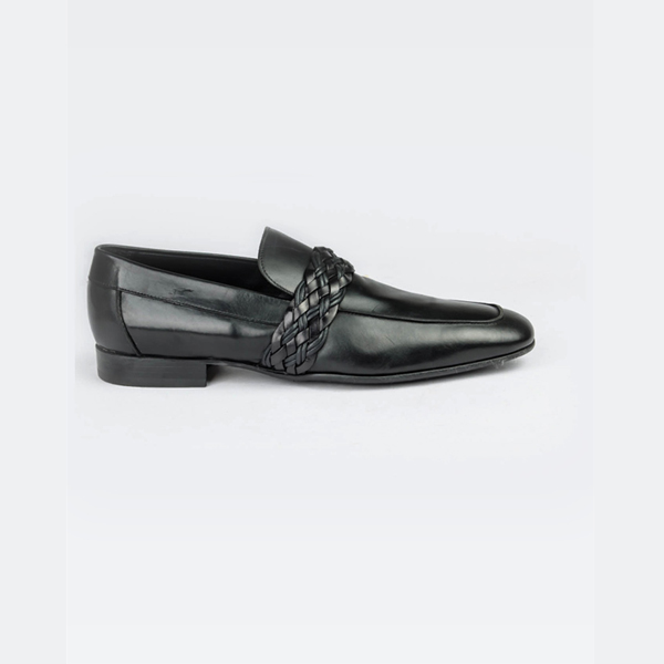 Doucals black classy loafers