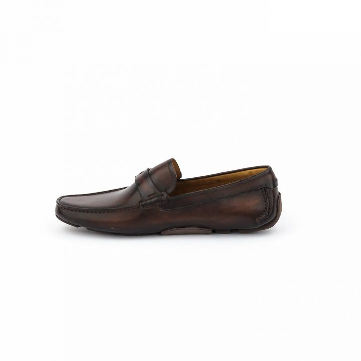 Magnanni Marron Brown Leather Drivers with Gold Insignia
